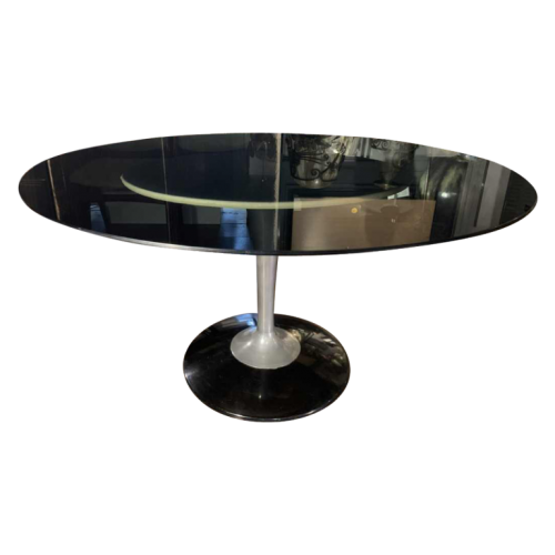 """Oval table with central """" tulip """" foot, Aluminium & Glass, Eero Saarinen for Knoll style, 1960"""
